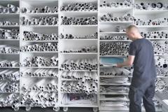 Fotolabor Grieger Düsseldorf: Unser umfangreiches Farbreferenzarchiv zu bereits produzierten Großformat- und FinArt-Digitaldruck-Projekten. So lassen sich Fotokunst- und Displaydigitaldrucke schnell mit hoher Farbtreue erneut drucken.